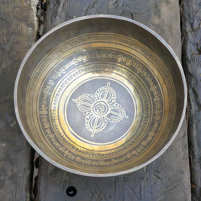 CUENCO TIBETANO GRABADO 23 Ø de cuencos tibetanos 7 metales Full Moon Jambati Nepal Jambati India ESPECIALES GRABADOS ORISSA