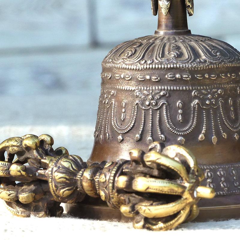 CAMPANA TIBETANA CON DORJE de campanas